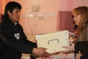 130° Aniversario de la Ciudad: La beba nacida el 12 de octubre recibió su ajuar de bienvenida