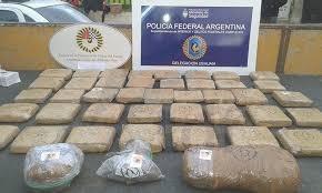50 kilos de marihuana en un allanamiento en la casa del subjefe de la Policía Provincial