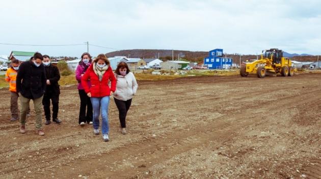 Castillo recorrió junto a funcionarias nacionales distintos espacios de la provincia donde se ejecutarán obras