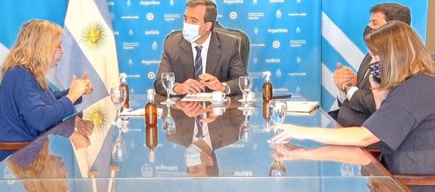 La ministra Chapperón se reunió con su par nacional, Martín Soria, para gestionar diversas herramientas para la provincia