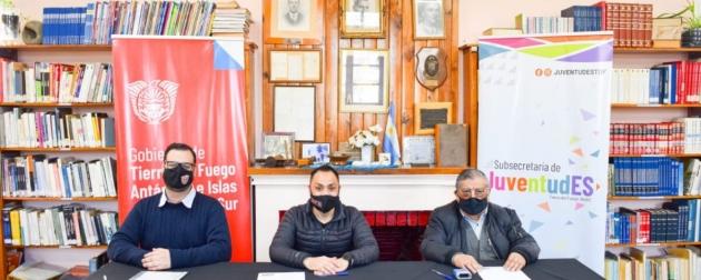 La Secretaría de Deportes y Juventudes firmó un convenio de colaboración con la biblioteca popular Eduardo Schmidt (h.)