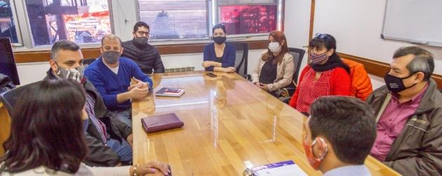 Gobierno rubricó un acuerdo con Asociaciones para habilitar descuentos de cobros en los haberes de agentes