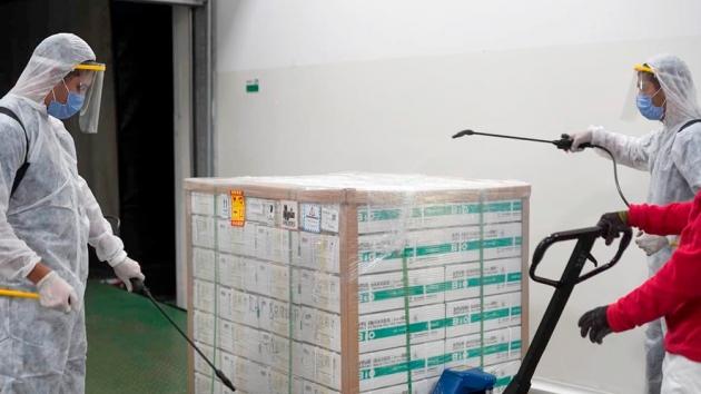 Se comenzaron a distribuir en todo el país 909.000 dosis de Sinopharm