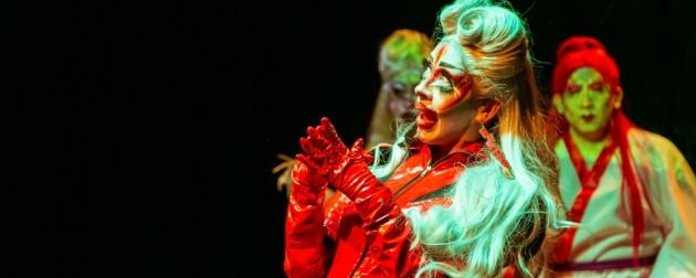 """Cien años, Cien artistas: El espectáculo Drag de House of Kraa """"¿Bosque sos?"""" se presentó en Tierra de Teatro a sala llena"""