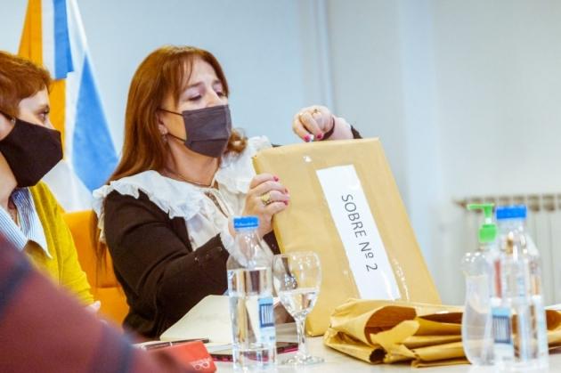 Gobierno abrió los sobres de la licitación para la obra de ampliación y refuncionalización del Colegio Polivalente de Arte Ushuaia