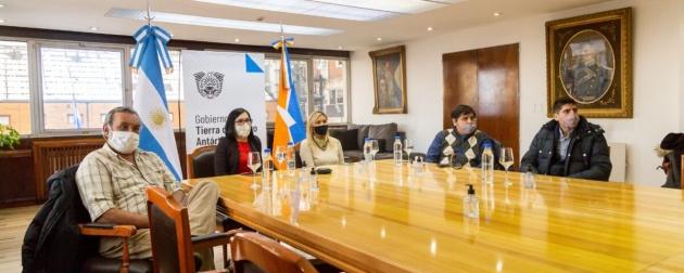 Gobierno destina más de 1200 millones de pesos para la compra de medicamentos para afiliados y afiliadas de la OSEF