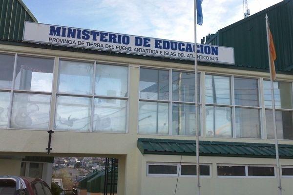 El Ministerio de Educación confirmó cómo continúa el regreso progresivo y cuidado a clases
