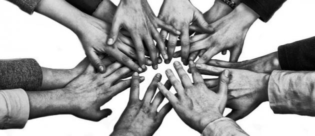 De piedras y puentes: el desafío del activismo por los Derechos Humanos