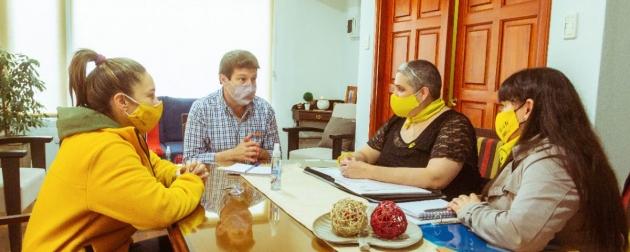 Melella se reunió con el grupo de Madres de Pañuelos Amarillos