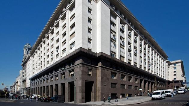 Según el Ministerio de Economía de la Nación, la recaudación impositiva de enero subió 46,6 %, a $ 772.860 millones