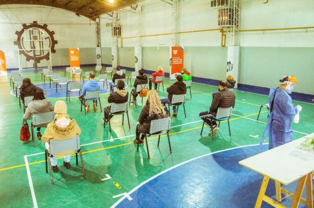 El Ministerio de Salud de la Provincia realizó un nuevo operativo de hisopados a personas asintomáticas en el Gimnasio de la UOM