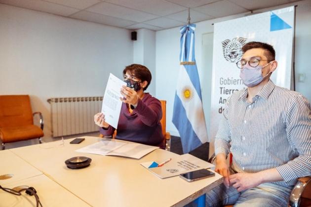 """Tierra del Fuego adhirió al Programa Nacional de la Secretaría Nacional de la Niñez, Infancia y Adolescencia """"Participamos"""""""