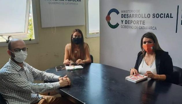La Secretaria de Economía Popular se reunión con funcionarios del Ministerio de Desarrollo Social y Deporte de Catamarca