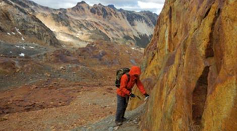 La UNTDF publicó un libro sobre los recursos geológicos de Tierra del Fuego