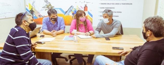 """Romano se reunió con Castillo y resaltaron que """"Avanzar con la mensura en los barrios de Ushuaia permitirá concretar conexiones de gas"""""""
