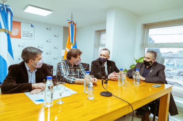 Gobierno firmó un acuerdo con el Rotary Club para equipar el Centro de Abordaje del Neurodesarrollo de Río Grande