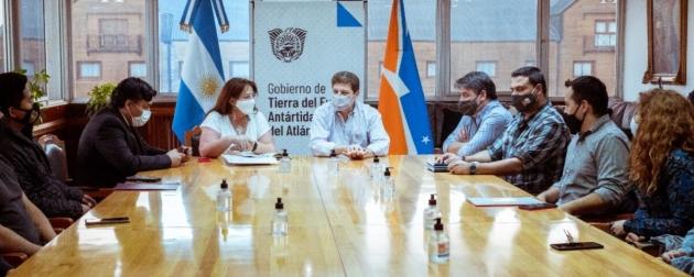 """Melella reafirmó su compromiso de """"avanzar con los servicios básicos de todos los barrios de Ushuaia"""""""