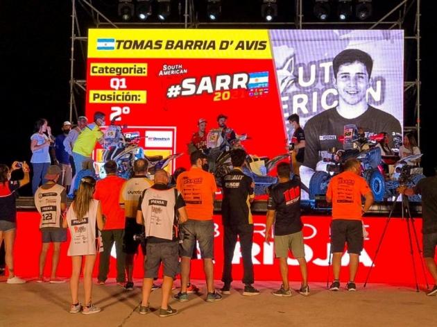 El motociclista Tomás Barria Davis celebra un histórico segundo puesto en la Soudh American Rally Race
