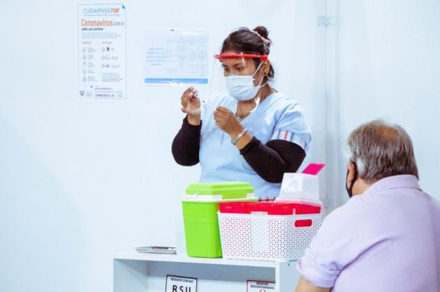 Tierra del Fuego, una de las provincias más avanzadas en la aplicación de la vacuna contra Covid19 en adultos mayores de 70 años