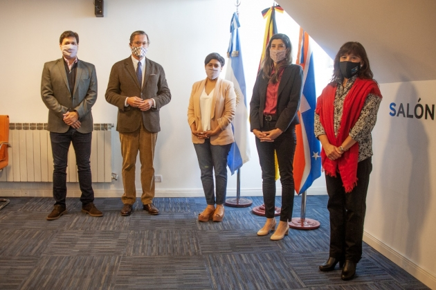 El CADIC participó en el encuentro que funcionarios del gobierno provincial mantuvieron con el embajador de Alemania