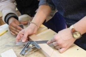 Abren inscripciones para cursos de electricidad y carpintería