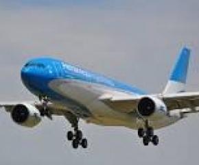 Aerolíneas Argentinas anunció que realizará cuatro vuelos especiales para traer argentinos del exterior