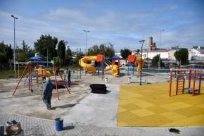 Avanzan los trabajos en las plazas Cívica y Piedrabuena de Ushuaia