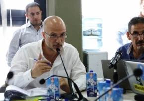 Bocchicchio pide que Bertone y Vuoto se pronuncien en contra de las salmoneras