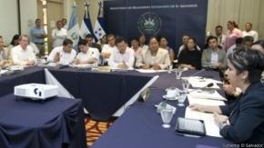 Centroamérica prepara campaña contra migración infantil a EE.UU.