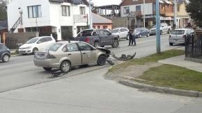 Conductor lesionado tras choque vehicular en Magallanes y Trejo Noel