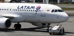Denuncian a Macri por traición a la patria y piden prohibir los vuelos de LATAM a las Malvinas