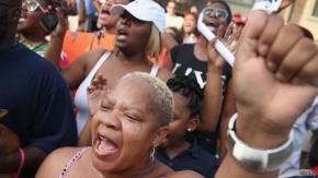 EE.UU.: protesta pacífica en Misuri en honor a Michael Brown
