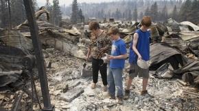 EE.UU.: tratan de contener el mayor incendio de la historia del estado de Washington