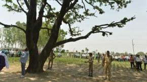 El cada vez más turbio caso de las adolescentes que aparecieron colgadas en India
