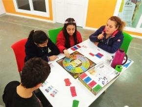 El Espacio de Desarrollo Laboral y Tecnológico recibió equipamiento para el Club de Niños Emprendedores