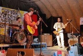 El Festival de Rock Solidario congregó a vecinos de todas las edades