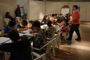 El historietista Gustavo Sala brindó talleres de humor gráfico en Ushuaia