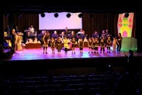 """El Jardín Nº 25 Brisitas del Sur presentó junto a la Banda Municipal el proyecto musical """"Canta y Aprende"""" en la Casa de la Cultura"""