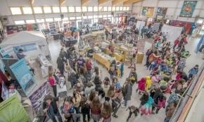 El Municipio de Ushuaia junto a la Comisión de Antiguos Pobladores participan de la Feria del Libro de la Escuela 13