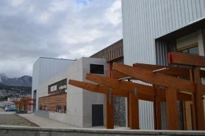 El Municipio de Ushuaia llama a licitación para refacción de los baños del Polideportivo