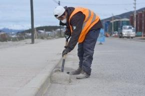 El Municipio de Ushuaia realizó trabajos de limpieza en la avenida Hipólito Yrigoyen