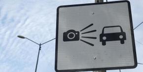El Municipio de Ushuaia trabaja junto a la empresa Ingeniería Seitler en la instalación de cámaras para fotomultas en semáforos