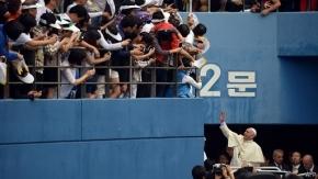 El papa Francisco celebra su primera misa en Corea del Sur