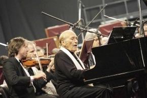 El pianista y militante por la paz, Miguel Estrella, realizará un concierto en Ushuaia