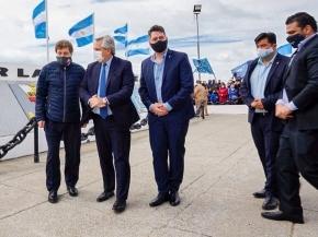 """El presidente Fernández junto al gobernador Melella asistieron al Monumento Héroes de Malvinas: """"Recibir al presidente en tierra de Malvinas, es algo muy especial para todos los fueguinos"""""""