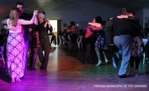 Este sábado se realizará una Noche de Tango en el polideportivo Carlos Margalot