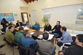 Funcionarios mantuvieron encuentro con Asociaciones de Pesca Deportiva