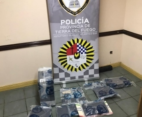 Grooming: La Policía de la provincia realizó allanamientos en el centro de Ushuaia tras recibir denuncias de imágenes de menores en la web