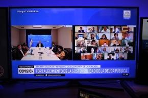 Guzmán expuso en el Senado el proyecto de Ley de Sostenibilidad de la Deuda Pública