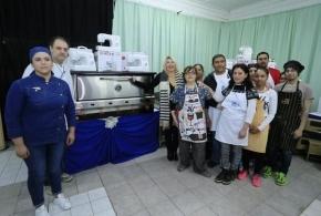 La gobernadora Bertone entregó materiales para el Centro de Formación Laboral de Río Grande